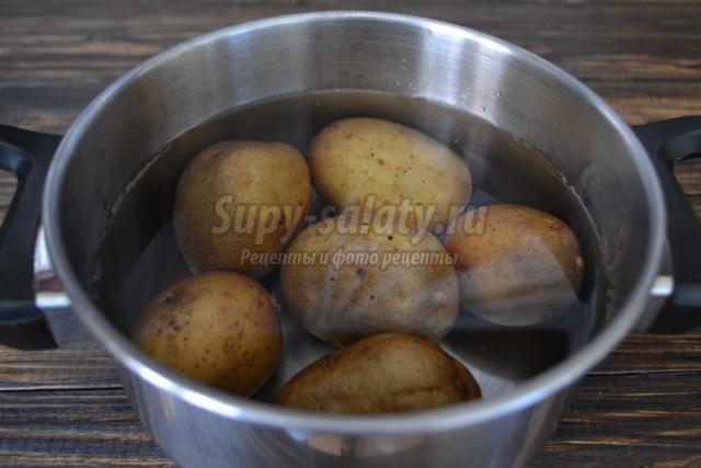 картофельная запеканка с консервированным тунцом