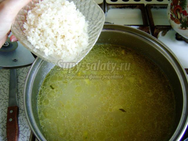 рассольник с курицей и рисом