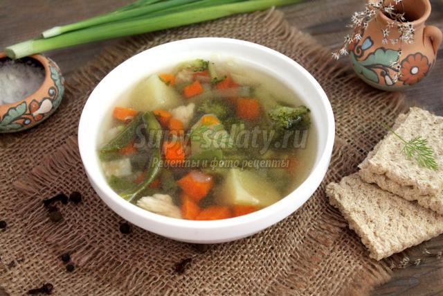 диетический суп с брокколи и стручковой фасолью