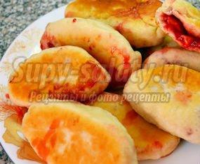 Дрожжевые пирожки с клубникой. Рецепты с фото