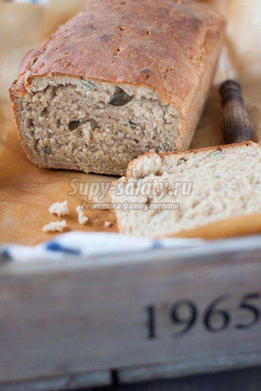 ржаной хлеб с медом и семечками