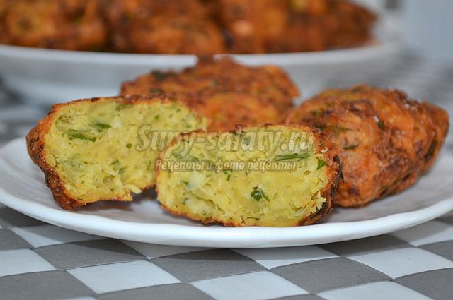 пакоры из капусты, картофеля и зелени