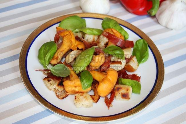 Теплый Салат из грибов лисичек