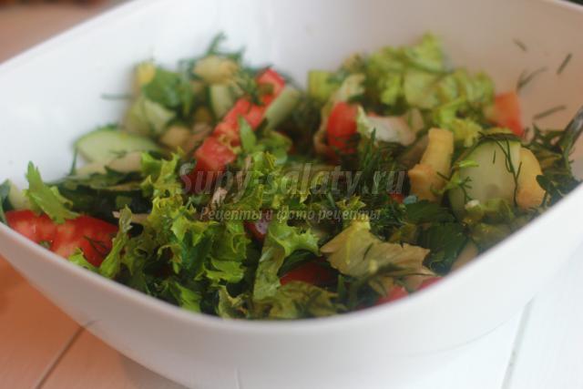 диетический овощной салат с семенами льна