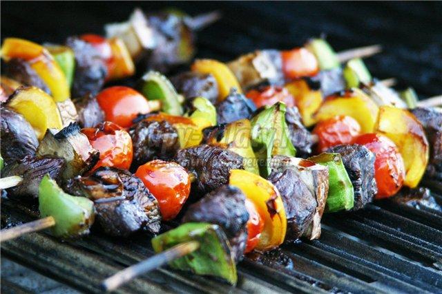 Суши и кавказский шашлык: что объединяет эти два блюда?