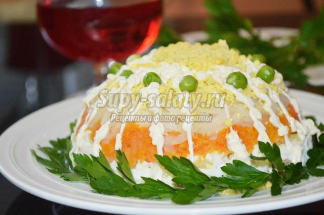салат-торт со скумбрией