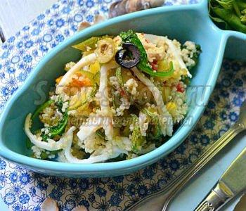 кус-кус с кальмарами и овощами