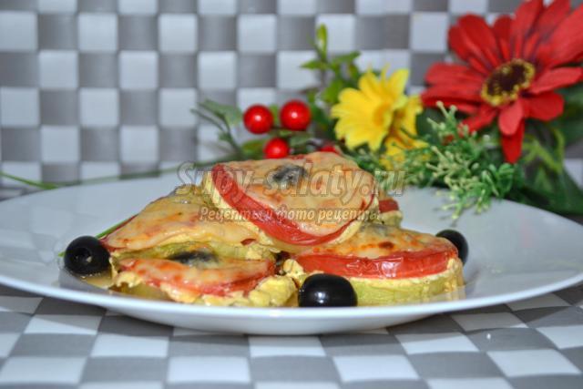 кабачки, запеченные с сыром и помидорами