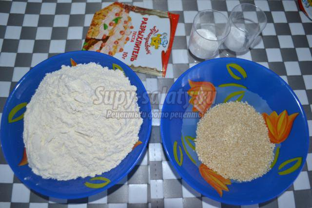 индийские хлебные лепешки с кунжутом. Бхатуры