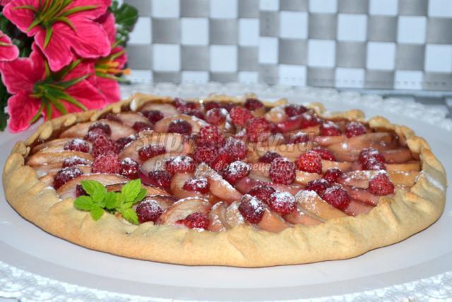 овсяная галета с персиками и малиной