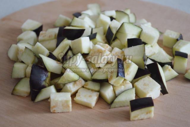 тушеные баклажаны со стручковой фасолью
