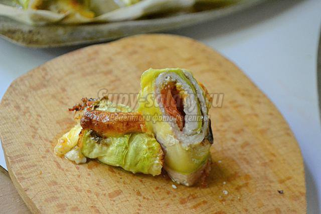 рулетики из кабачков с мясом и сыром