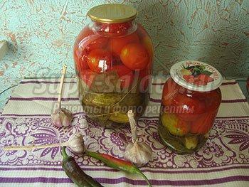 ассорти на зиму из огурцов и помидоров