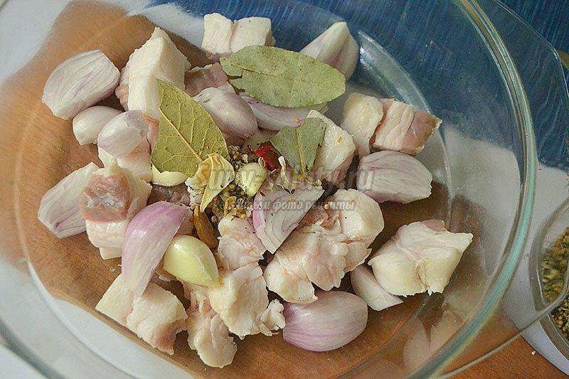 Как готовить грибы с курицей в сливочном соусе