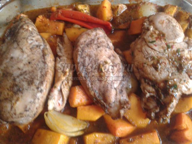 запеченная курица с тыквой под сельдерейным соусом