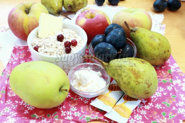 запеченные фрукты с овсяными хлопьями
