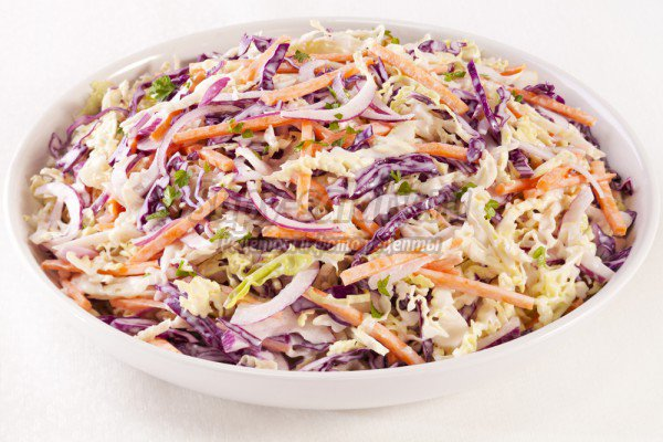 салат из краснокочанной капусты и белокочанной