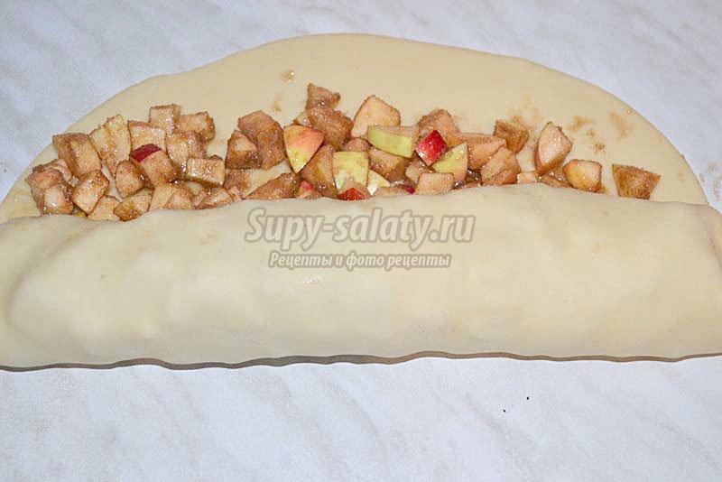 яблочный рулет рецепт с фото