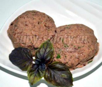 вегетарианский фасолевый паштет с пряными травами