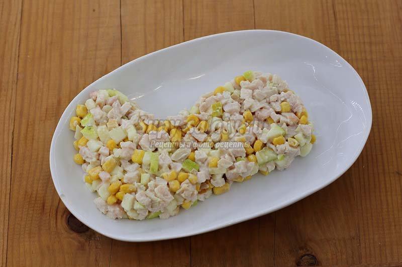 салат куриное филе ананасы кукуруза