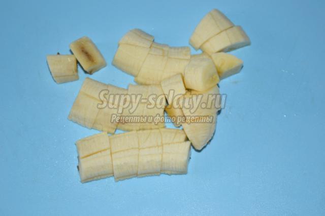 молочные бурфи с банановой начинкой