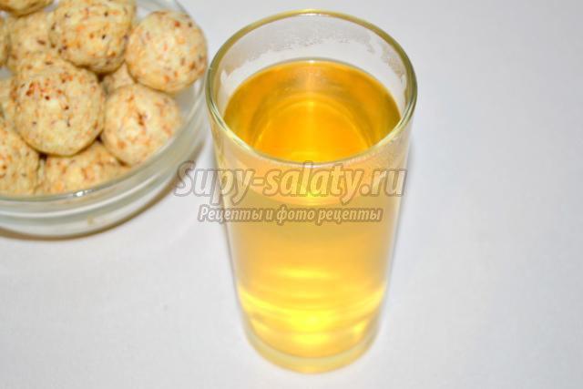 напиток с фенхелем, кумином и кориандром