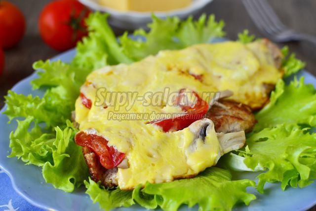 Мясо по-французски с грибами и помидорами. Рецепт с пошаговыми фото