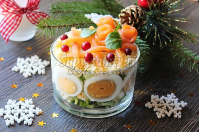 новогодний салат с крабовыми палочками. Фантазия