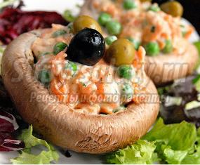 Салат с маринованными грибами. Лучшие рецепты с фото.
