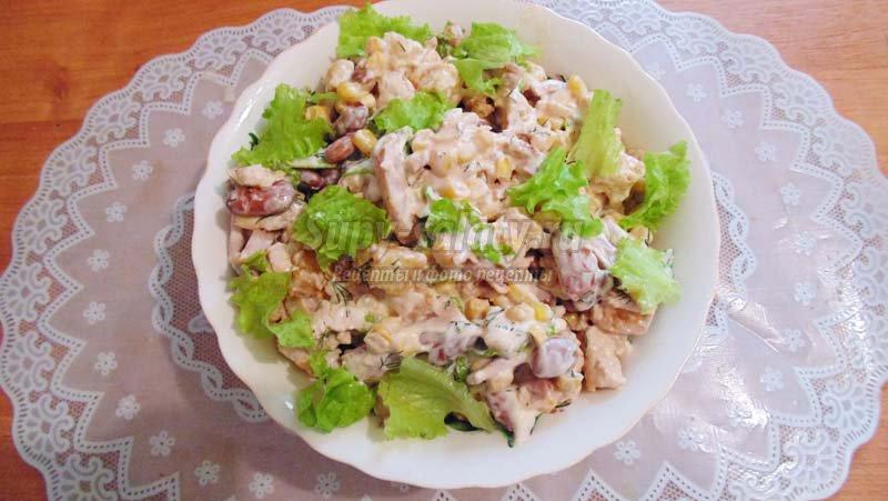 рецепт салата сухариками фасолью и кукурузой