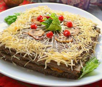 печёночный торт с сыром и грибами