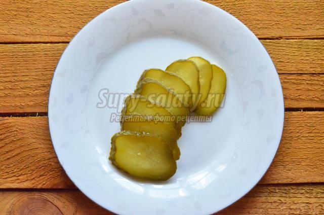 салат с печенью и свекольной икрой