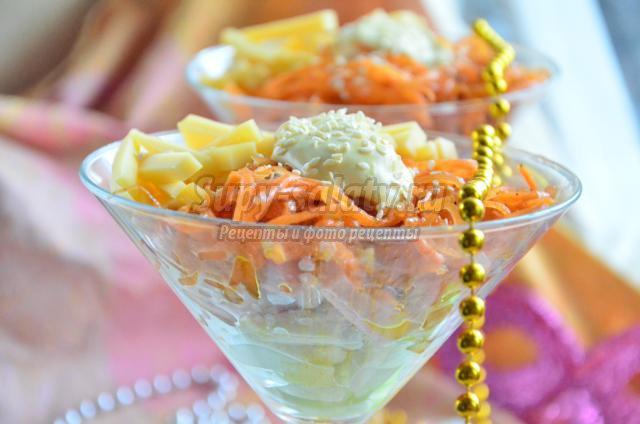 салат-коктейль с колбасой и морковью по-корейски