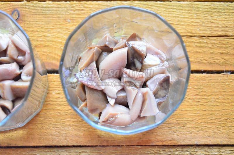 салат с отварной белой рыбой