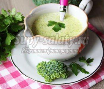 зеленый сливочный соус с брокколи