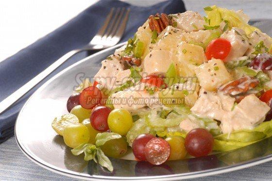 салат с ананасом, курицей и орехами: как приготовить и подать