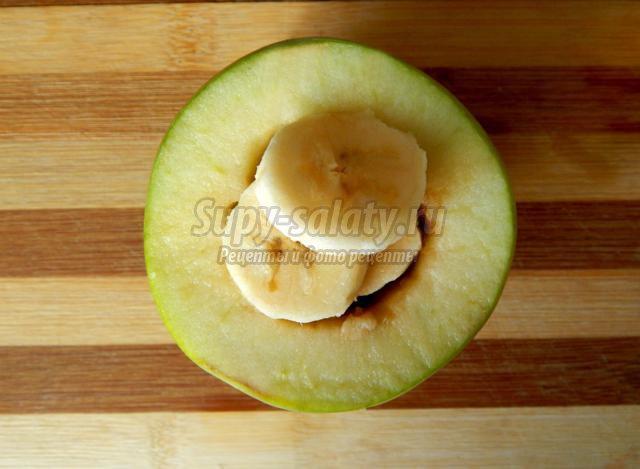 печеные яблоки с бананом в мультиварке