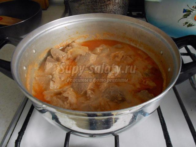 свинина в кефирно-томатном соусе