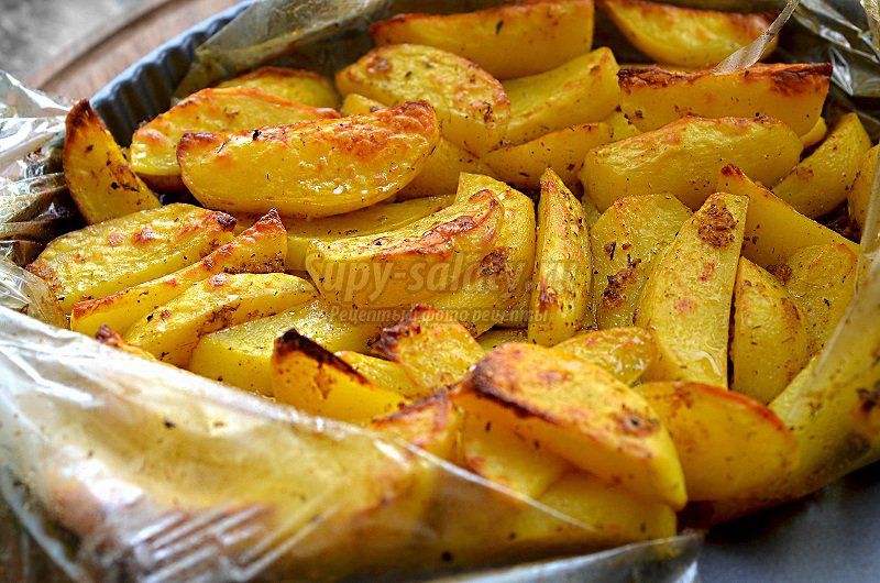Картошка в духовке в рукаве для запекания рецепт с фото пошагово в