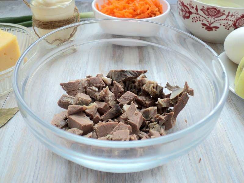 Салат из свиного сердца и корейской моркови