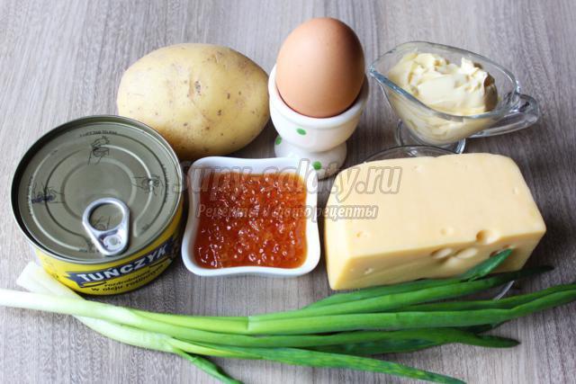 салат Мимоза с тунцом и красной икрой