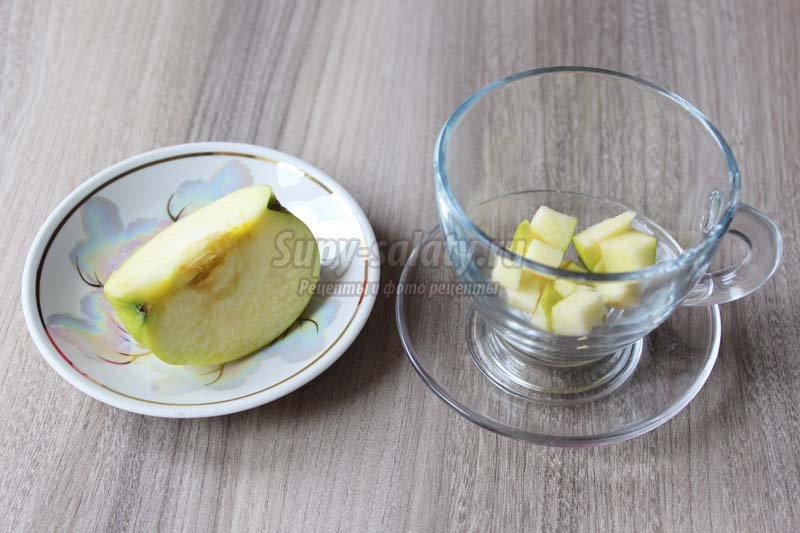 чай с яблоком и корицей