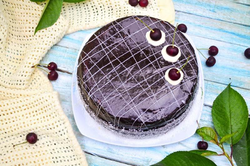 вишнево шоколадный торт с фото