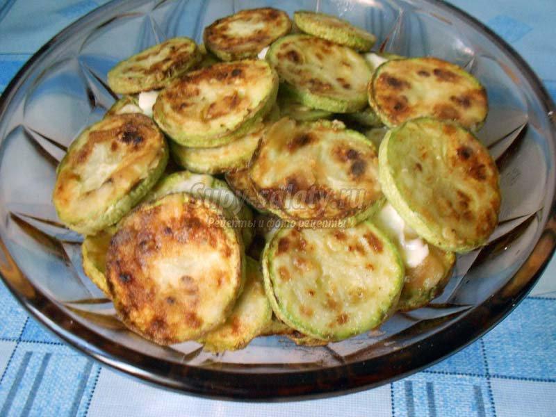 рецепт жареных кабачков с чесноком и майонезом