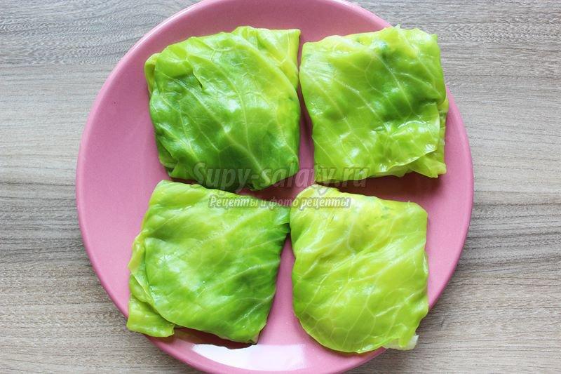 Конвертики из молодой капусты с брынзой