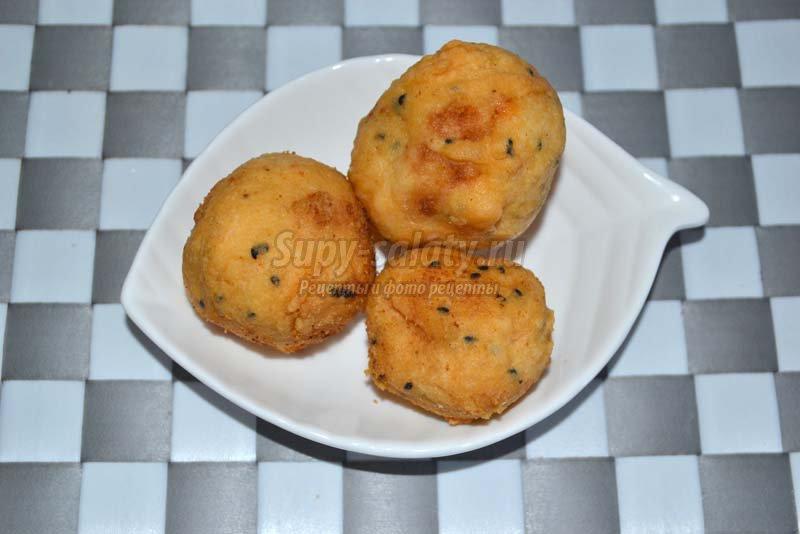 картофель фаршем помидорами