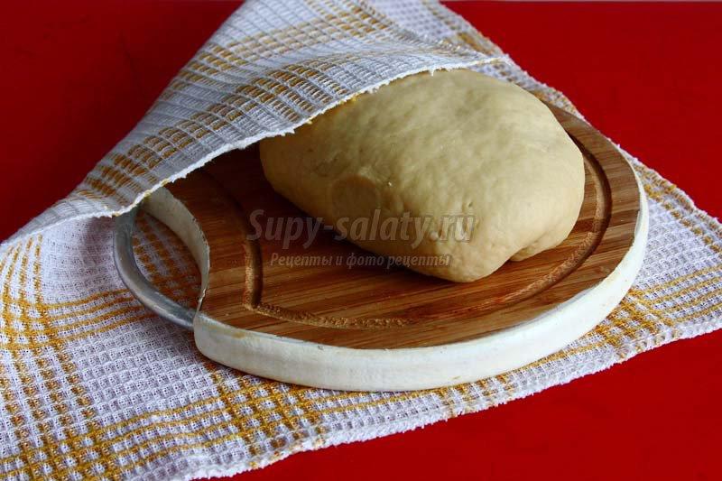 Дрожжевое тесто для чебуреков с фото пошагово