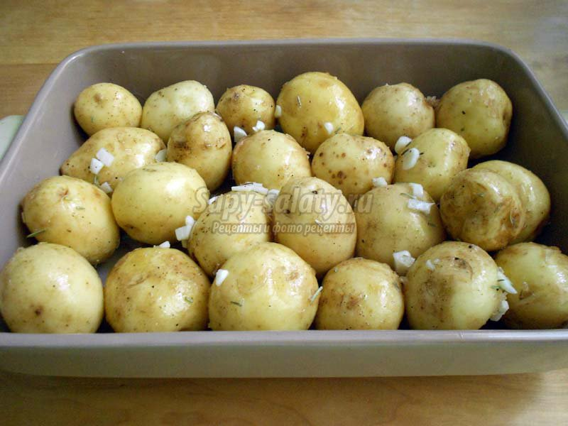 запеченная молодая картошка в духовке рецепт с мясом