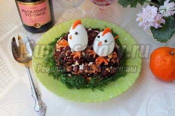 салат с фасолью огурцами и сухариками рецепт с фото