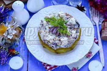 салат с маринованными вешенками